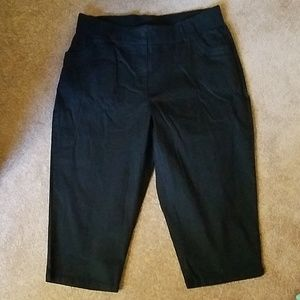 NWOT plus size black capris from woman within